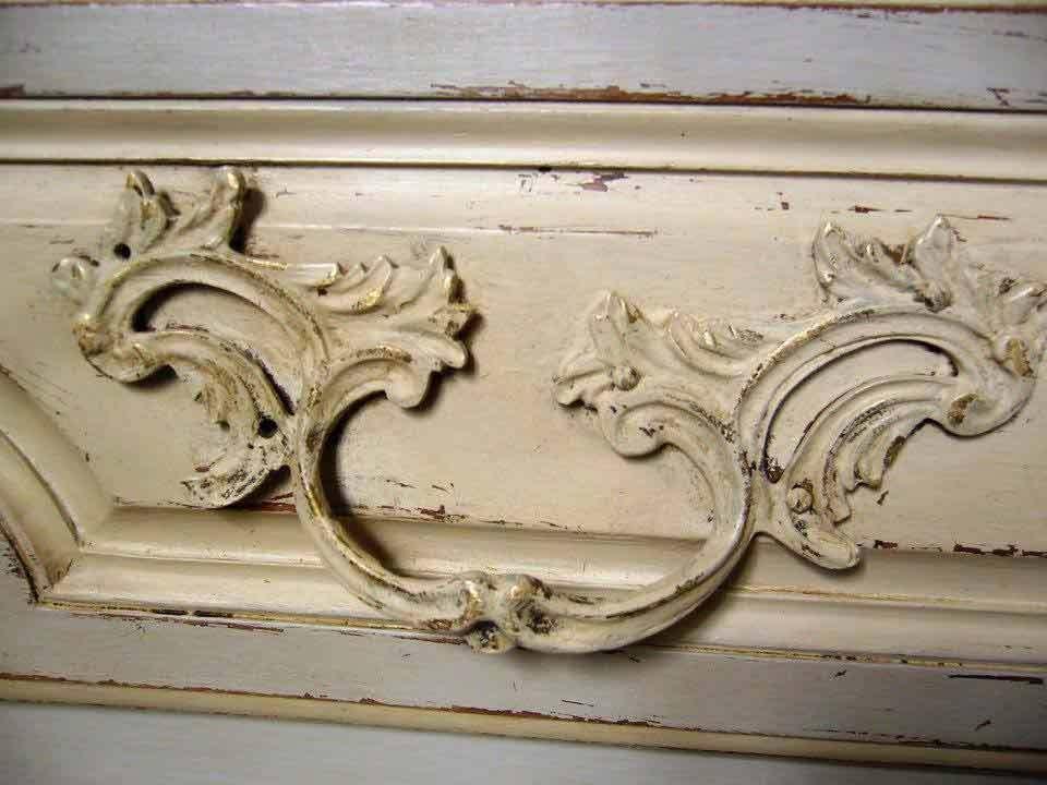 commode-classique-detail-poignee-tiroir