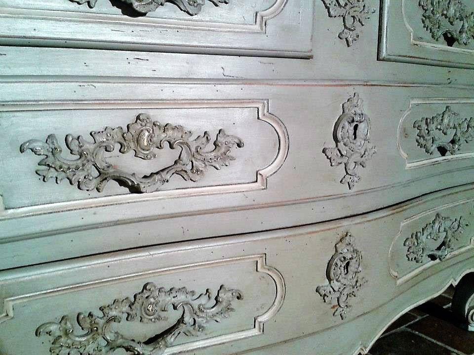 commode-details-2-tons-de-gris-veillie-et-usee-ciree