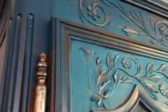 armoire-normande-details-porte-et-corniche